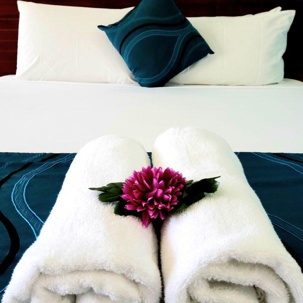 Cairns City Palms - Bed Decoration